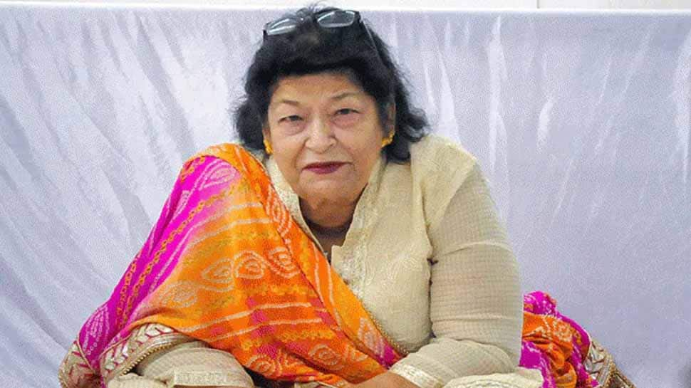 Veteranchoreographer Saroj Khan, who was admitted to a hospital in Mumbai on June 20 after she complained of breathing issues, passed away today. Th