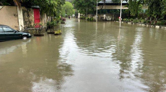 At least 31 killed as rain triggers mayhem in Mumbai