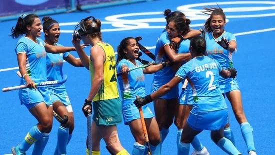 India beat Australia 1-0, reach historic hockey women's semifinals