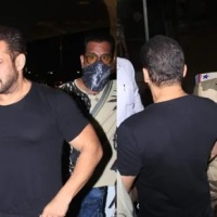 CISF personnel in trouble over stopping Salman Khan at airport